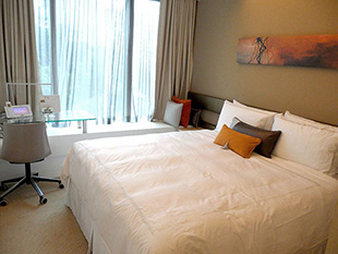 Venue_hotel_room_superiorkingroom